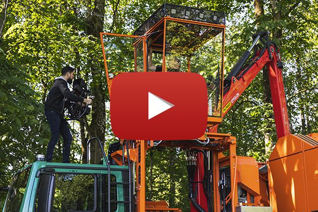 Amstutz Holzenergie AG, drehbarer Holzhacker